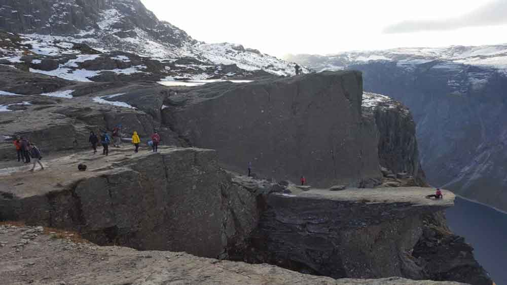 hiking trolltunga norway 5 1